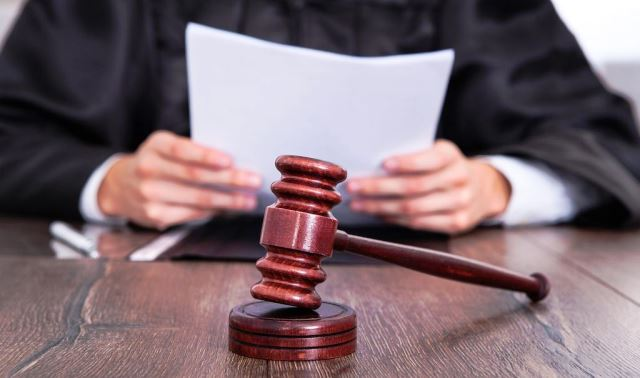 Определение и постановление суда разница